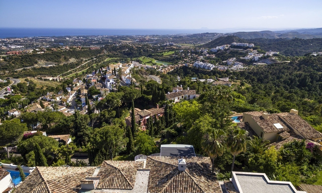 Villa for sale in Benahavis - Marbella: Exceptional Design and architecture, Exceptional Views in Exclusive El Madroñal 2