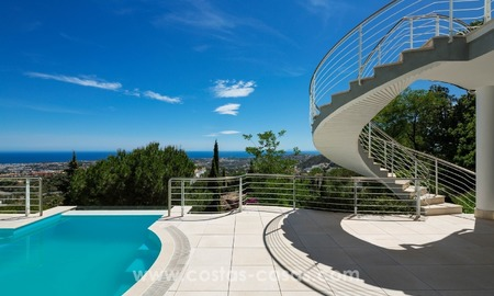 Villa for sale in Benahavis - Marbella: Exceptional Design and architecture, Exceptional Views and Extreme comfort in Exclusive El Madroñal 6