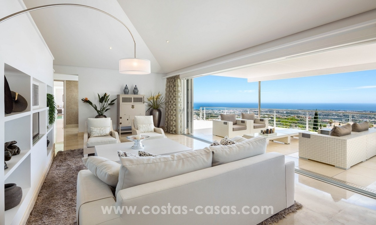 Villa for sale in Benahavis - Marbella: Exceptional Design and architecture, Exceptional Views in Exclusive El Madroñal 10