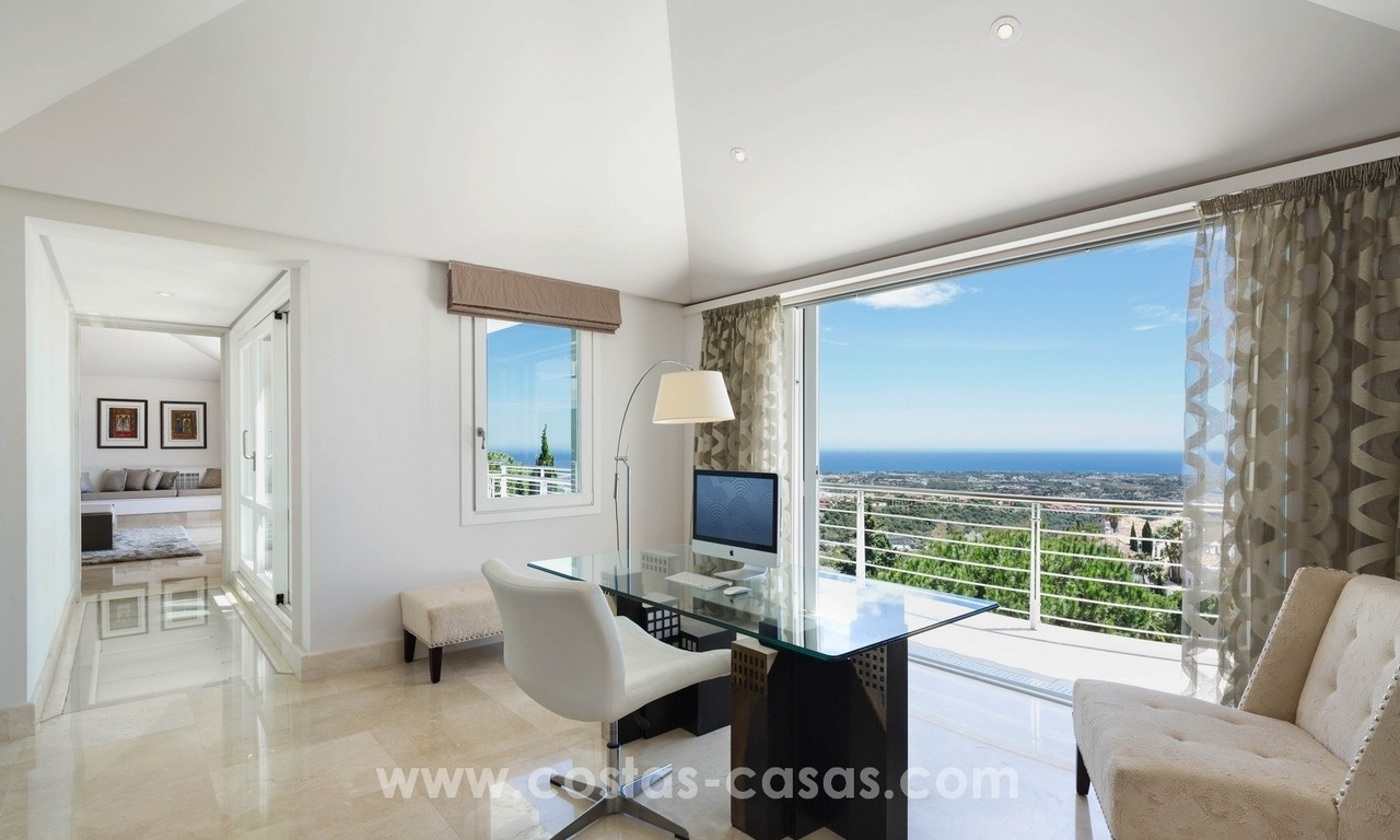 Villa for sale in Benahavis - Marbella: Exceptional Design and architecture, Exceptional Views in Exclusive El Madroñal 13
