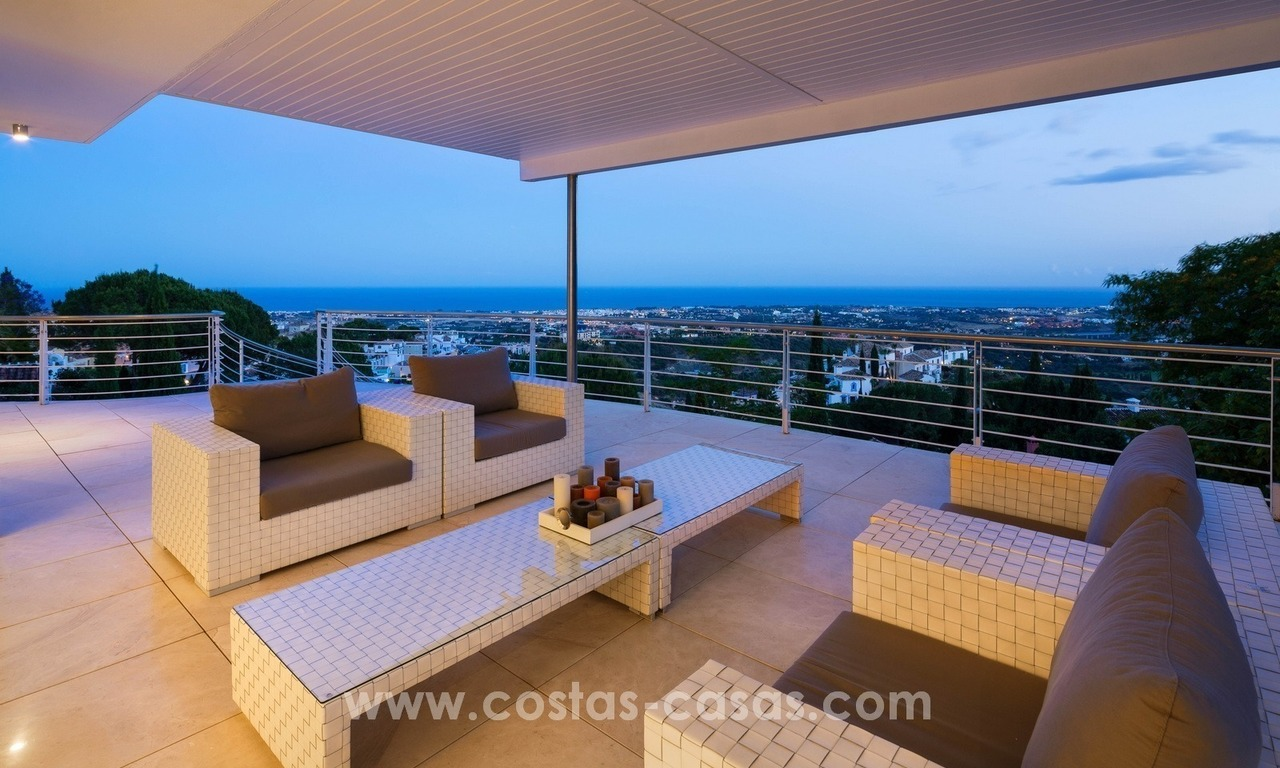 Villa for sale in Benahavis - Marbella: Exceptional Design and architecture, Exceptional Views in Exclusive El Madroñal 24
