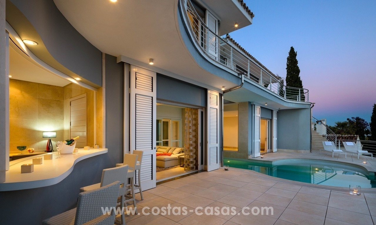 Villa for sale in Benahavis - Marbella: Exceptional Design and architecture, Exceptional Views in Exclusive El Madroñal 25