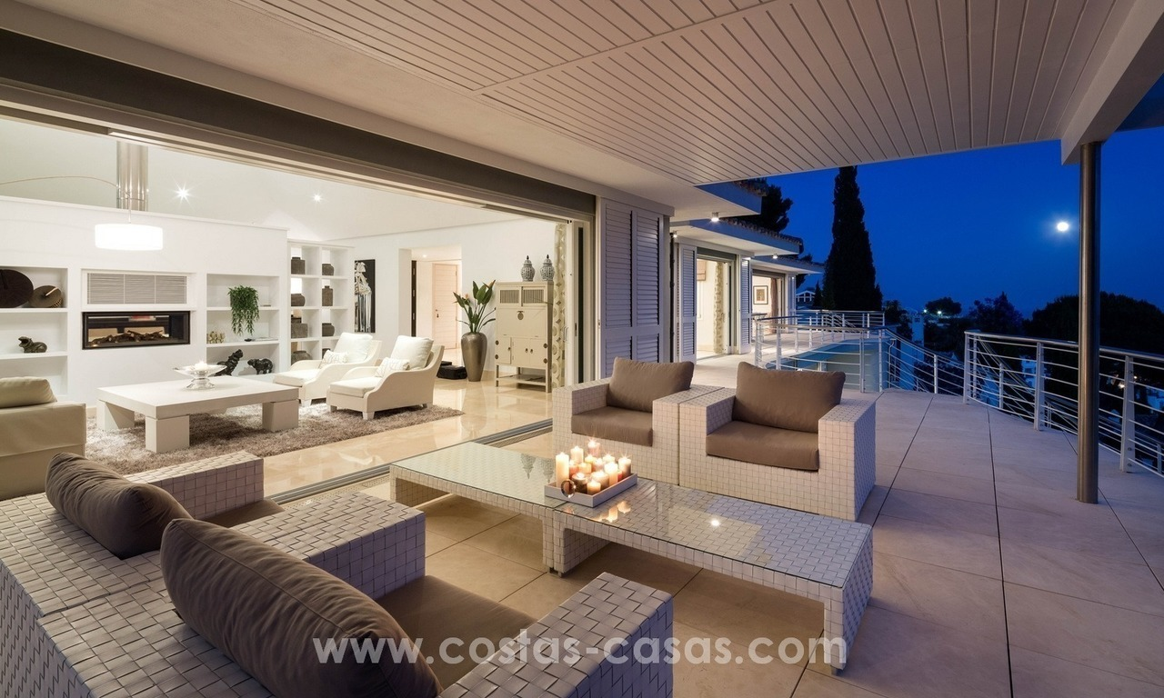 Villa for sale in Benahavis - Marbella: Exceptional Design and architecture, Exceptional Views in Exclusive El Madroñal 26