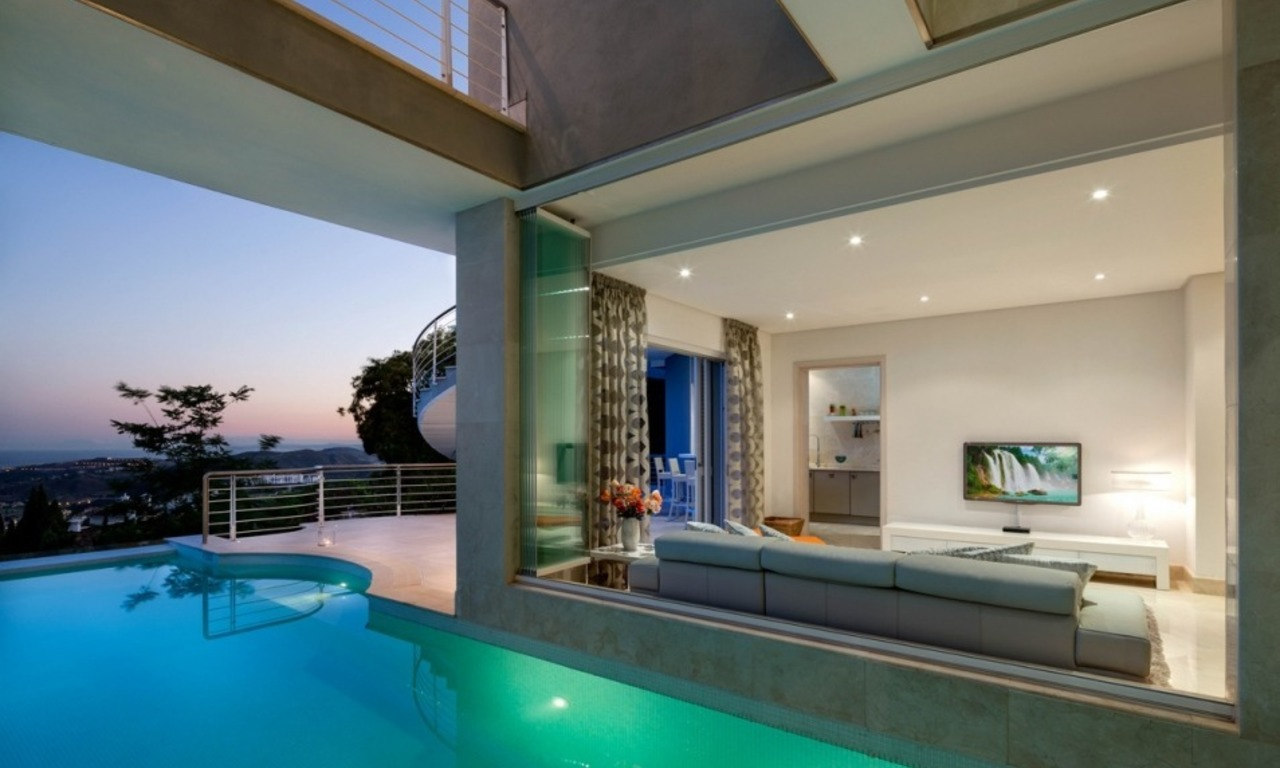 Villa for sale in Benahavis - Marbella: Exceptional Design and architecture, Exceptional Views in Exclusive El Madroñal 21