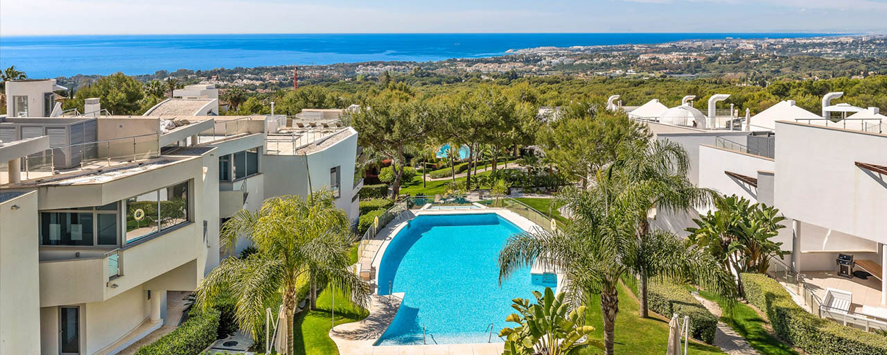 Exceptional luxury villas with sea views for sale, in an exclusive complex in the Golden Mile, Marbella
