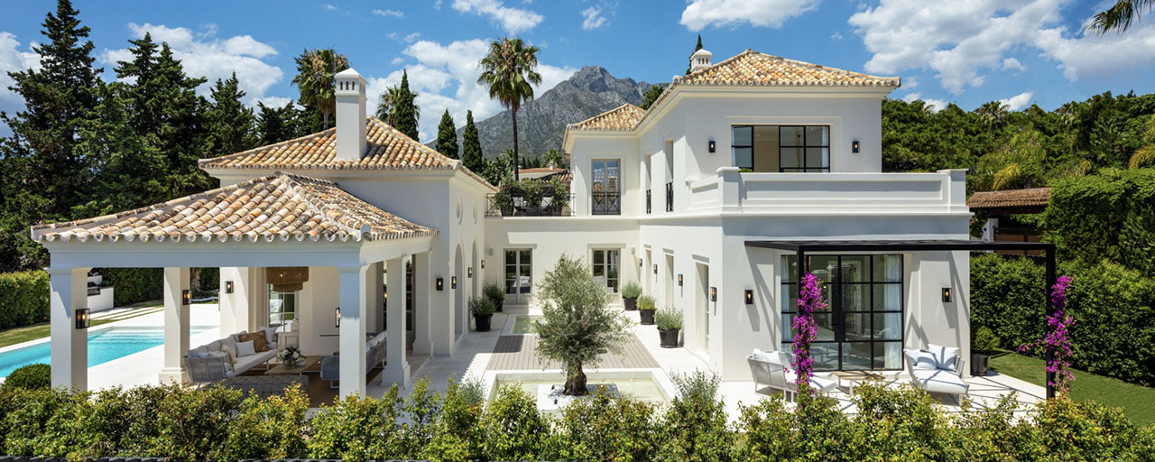 2 Elegant top quality new luxury villas for sale in a classic and Provencal style above the Golden Mile in Marbella