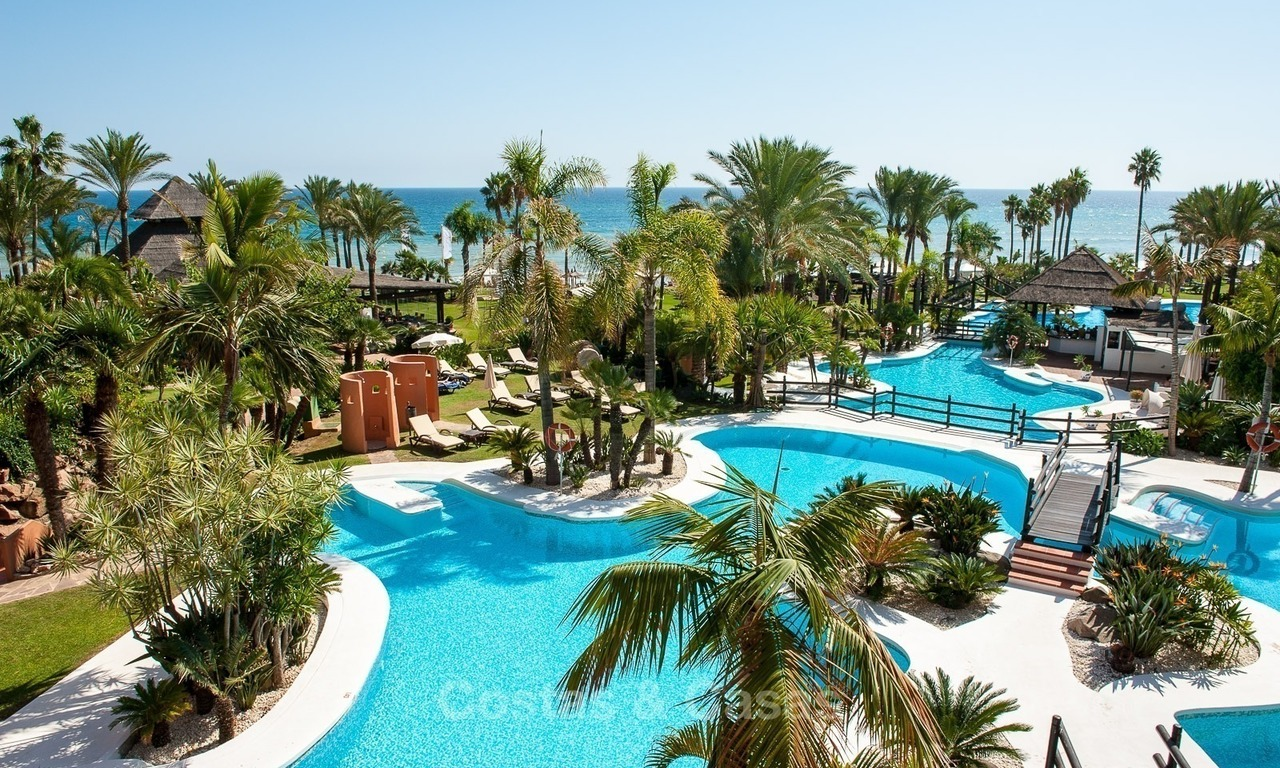 For sale in Hotel Kempinski, Marbella - Estepona: Renovated apartment in modern style 321