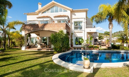 Elegant, south facing frontline golf villa for sale, located in Benahavis - Marbella with sea views 617