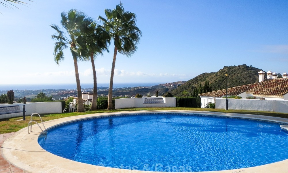 South facing detached House for sale with panoramic sea and golf views on Golf resort in Marbella - Benahavis 957