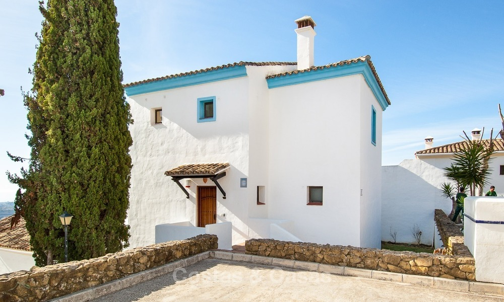 South facing detached House for sale with panoramic sea and golf views on Golf resort in Marbella - Benahavis 986