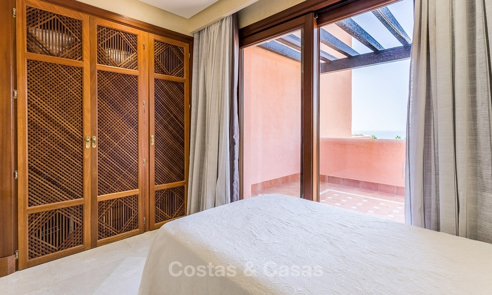 First line beach penthouse apartment for sale on the New Golden Mile between Marbella and Estepona 992