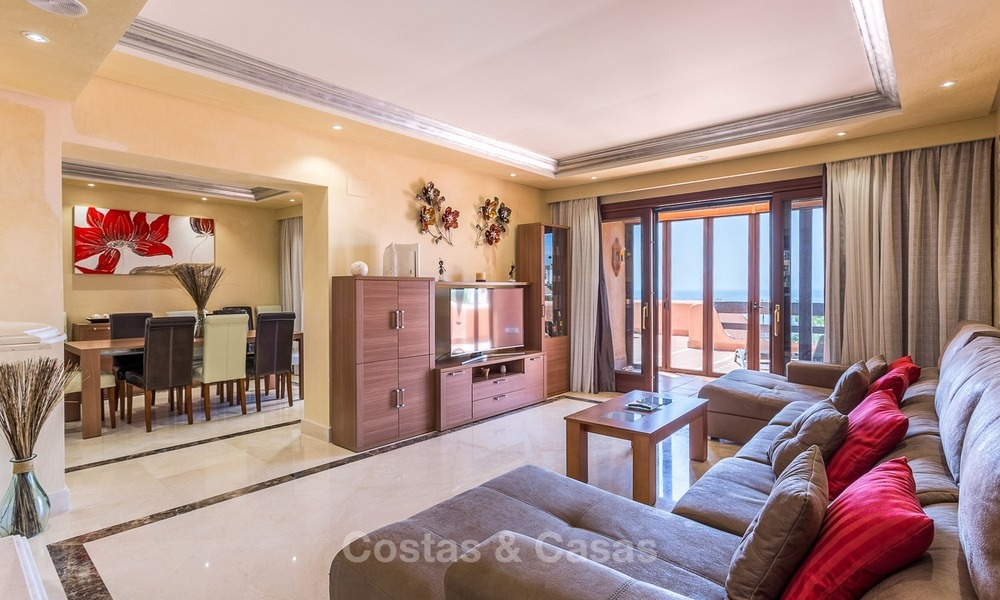 First line beach penthouse apartment for sale on the New Golden Mile between Marbella and Estepona 1004