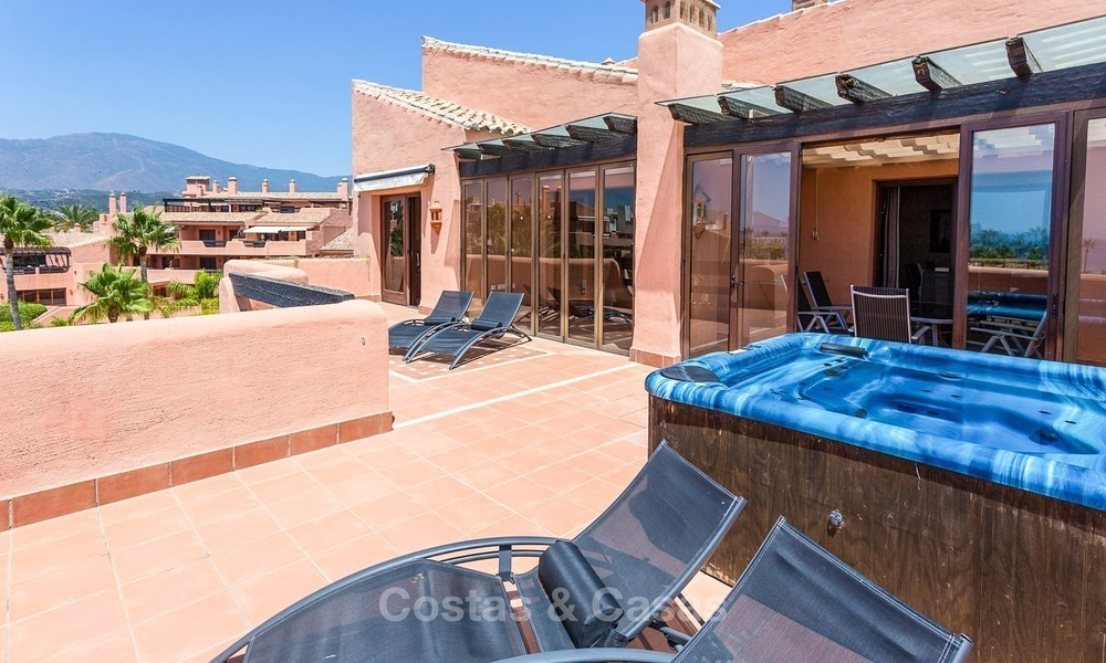 First line beach penthouse apartment for sale on the New Golden Mile between Marbella and Estepona 1012