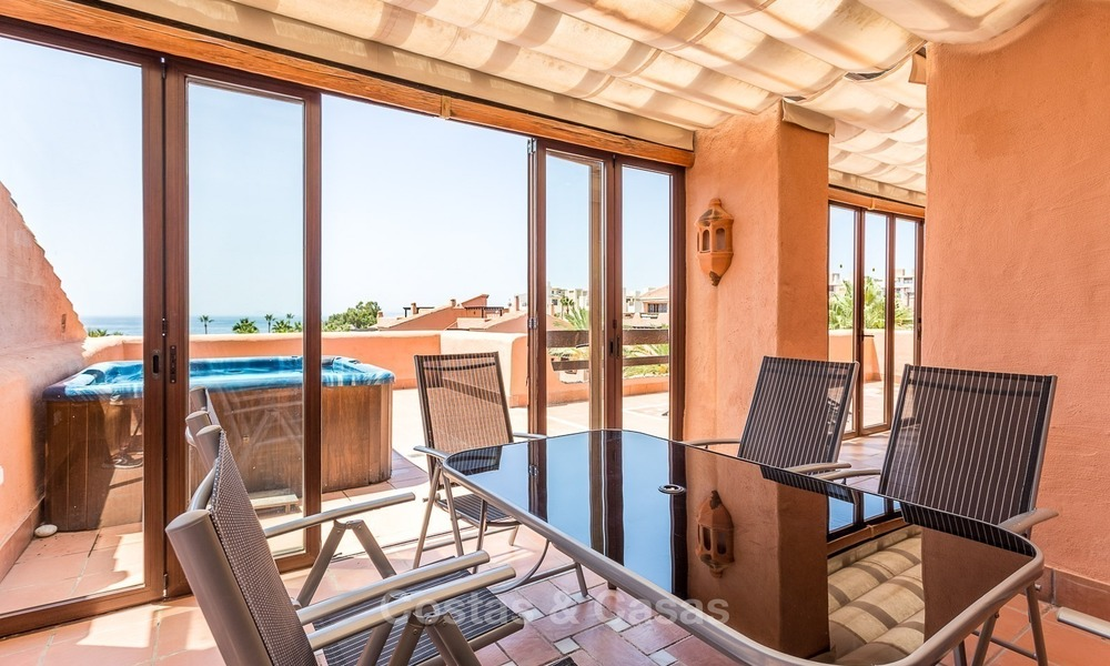 First line beach penthouse apartment for sale on the New Golden Mile between Marbella and Estepona 1014