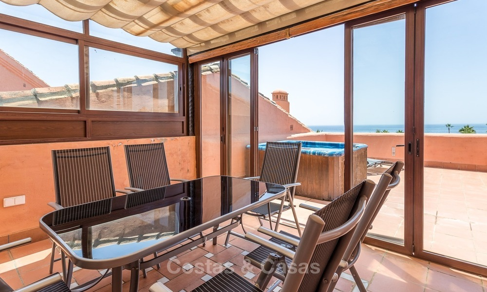 First line beach penthouse apartment for sale on the New Golden Mile between Marbella and Estepona 1015