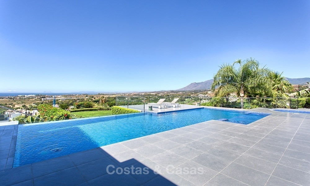 Exclusive modern villa for sale on golf resort with sea and golf views in Benahavis - Marbella 1023