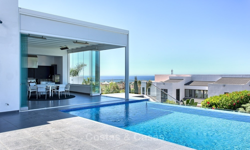 Exclusive modern villa for sale on golf resort with sea and golf views in Benahavis - Marbella 1025