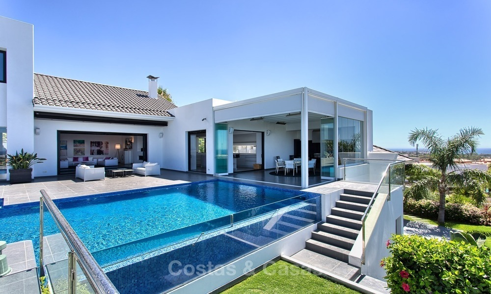 Exclusive modern villa for sale on golf resort with sea and golf views in Benahavis - Marbella 1028