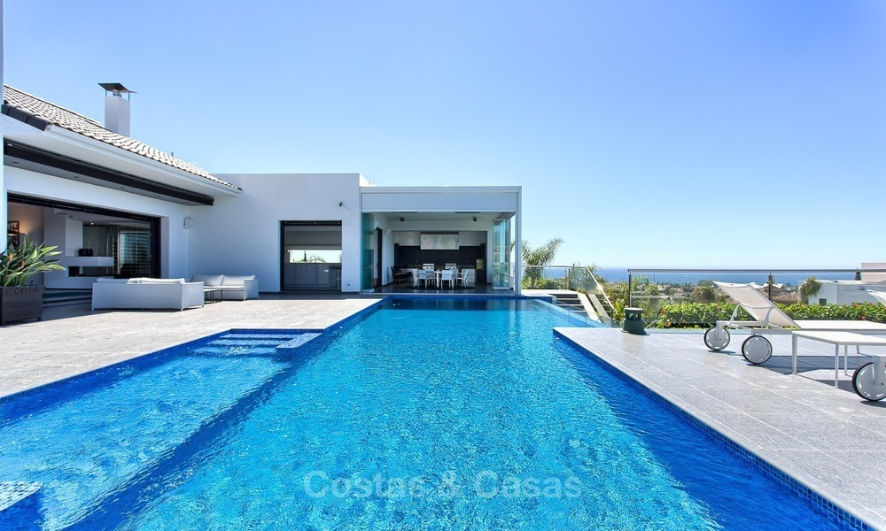 Exclusive modern villa for sale on golf resort with sea and golf views in Benahavis - Marbella 1029