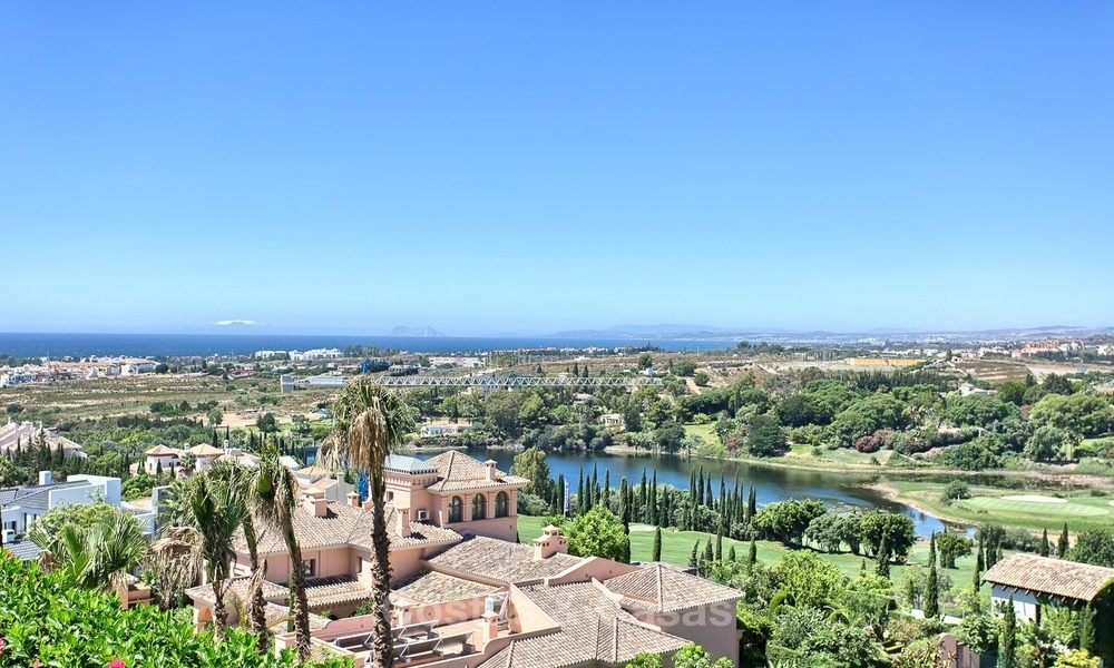 Exclusive modern villa for sale on golf resort with sea and golf views in Benahavis - Marbella 1031