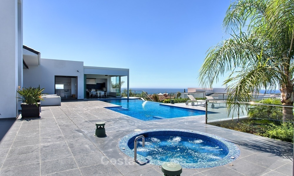 Exclusive modern villa for sale on golf resort with sea and golf views in Benahavis - Marbella 1032