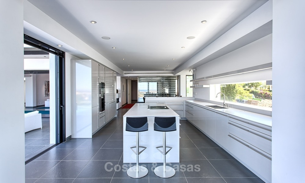 Exclusive modern villa for sale on golf resort with sea and golf views in Benahavis - Marbella 1060