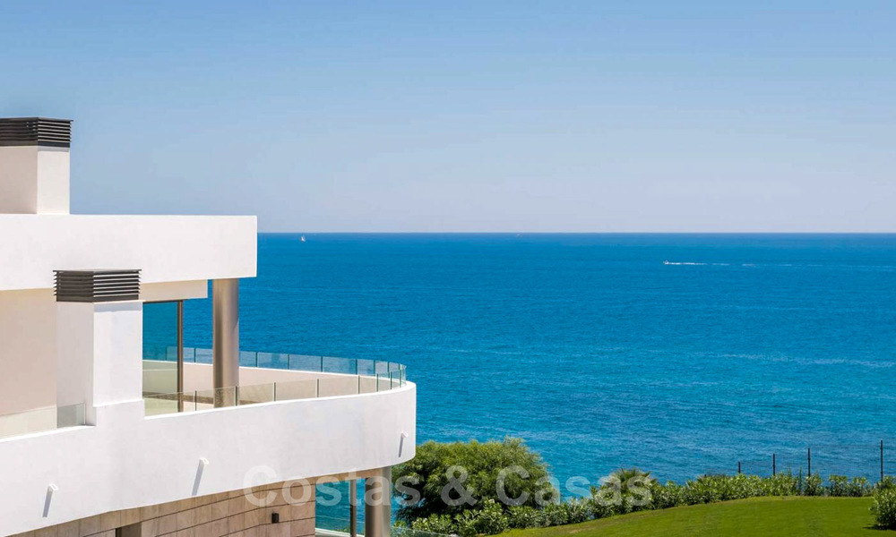 New Beachfront Development of Modern Apartments for sale in Mijas Costa. Completed! Last units! Ready to move in. 28141