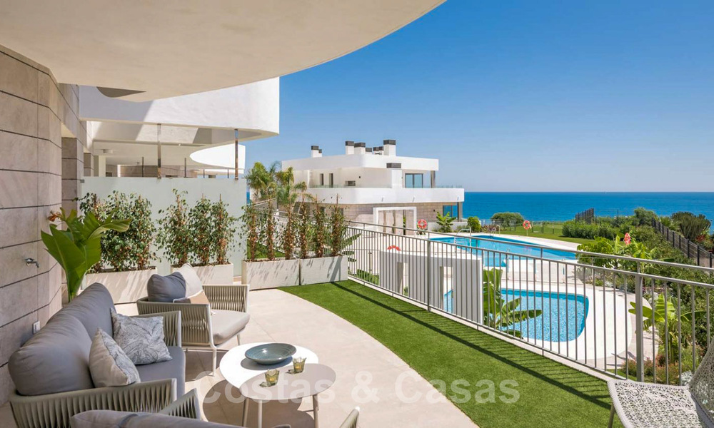 New Beachfront Development of Modern Apartments for sale in Mijas Costa. Completed! Last units! Ready to move in. 28143