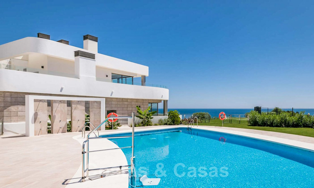 New Beachfront Development of Modern Apartments for sale in Mijas Costa. Completed! Last units! Ready to move in. 28144