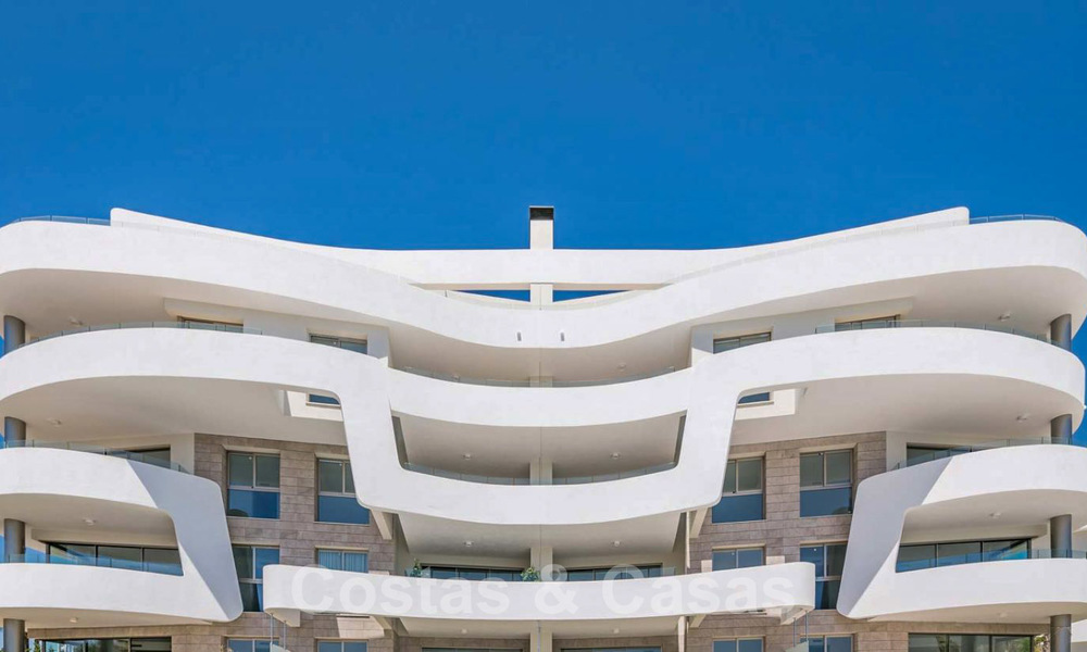 New Beachfront Development of Modern Apartments for sale in Mijas Costa. Completed! Last units! Ready to move in. 28145
