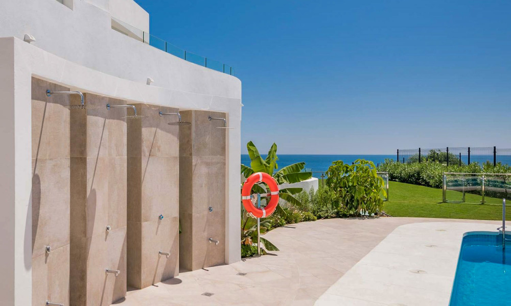 New Beachfront Development of Modern Apartments for sale in Mijas Costa. Completed! Last units! Ready to move in. 28147