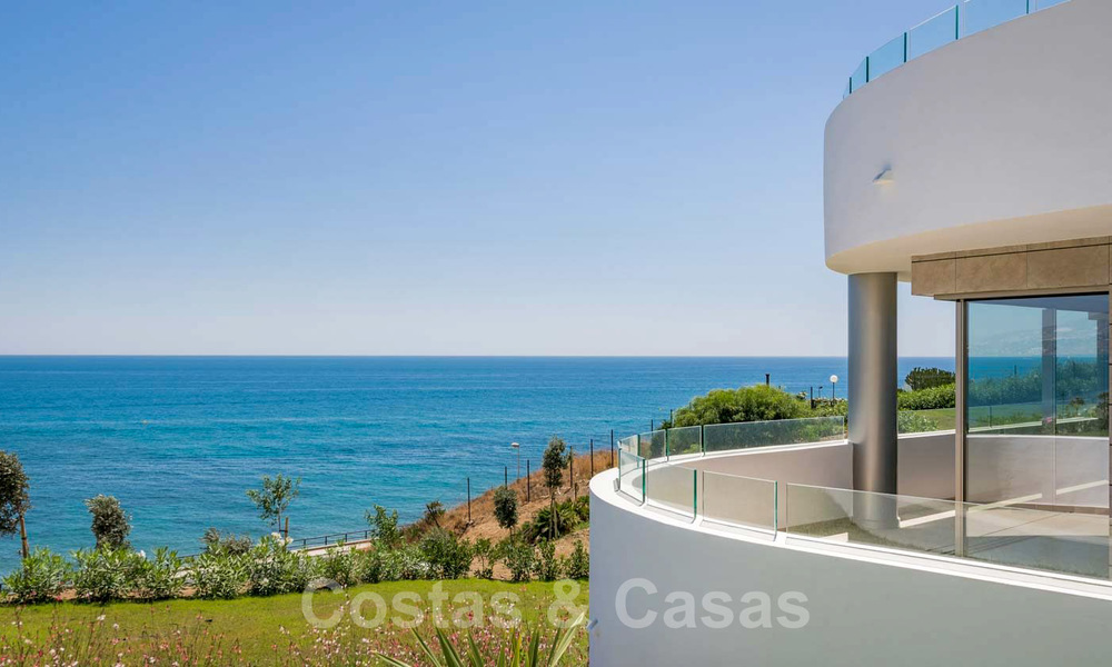 New Beachfront Development of Modern Apartments for sale in Mijas Costa. Completed! Last units! Ready to move in. 28150