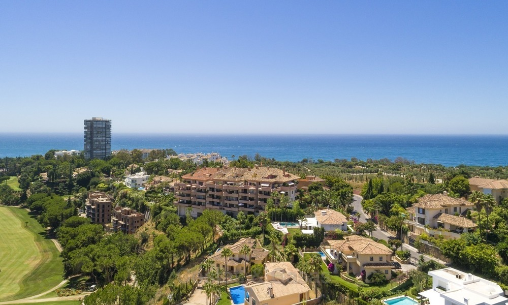 Luxury Penthouse apartment for sale in Gated Community with Panoramic sea and golf views in Rio Real, Marbella 1466