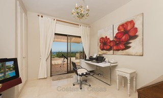 Luxury Penthouse apartment for sale in Gated Community with Panoramic sea and golf views in Rio Real, Marbella 1480