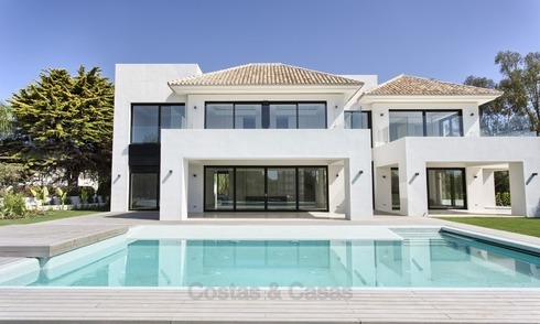Brand-new, Beachside, Contemporary Style Villa for sale, Ready to Move in, Marbella West 1481