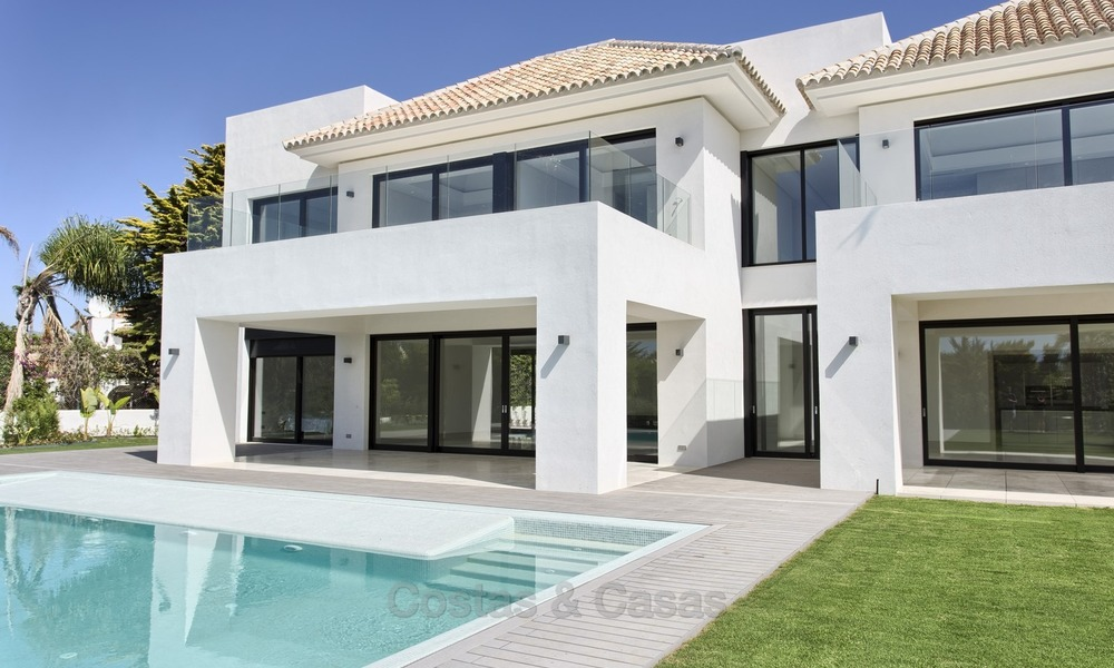 Brand-new, Beachside, Contemporary Style Villa for sale, Ready to Move in, Marbella West 1483