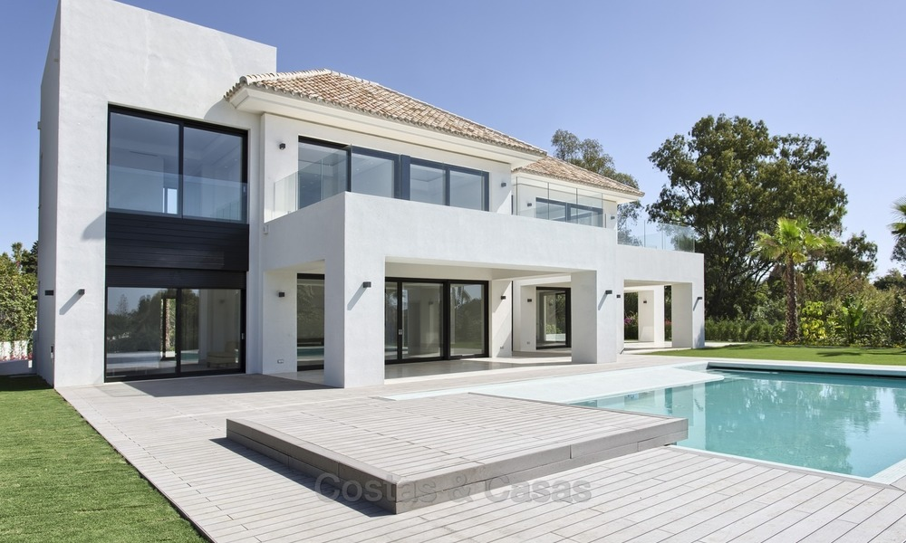 Brand-new, Beachside, Contemporary Style Villa for sale, Ready to Move in, Marbella West 1484