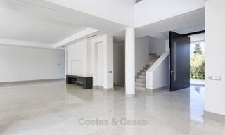 Brand-new, Beachside, Contemporary Style Villa for sale, Ready to Move in, Marbella West 1489
