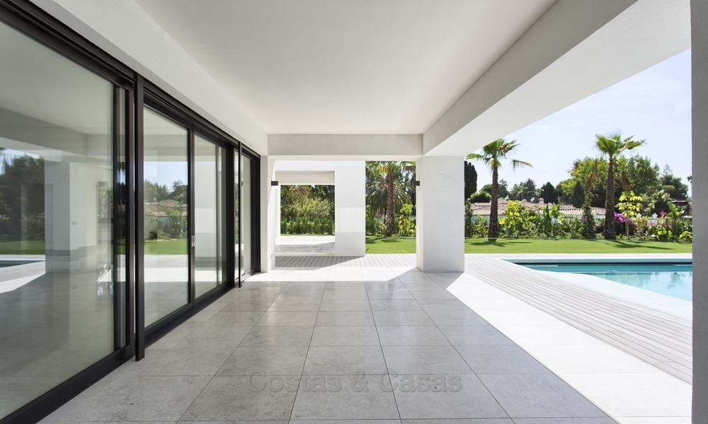 Brand-new, Beachside, Contemporary Style Villa for sale, Ready to Move in, Marbella West 1493