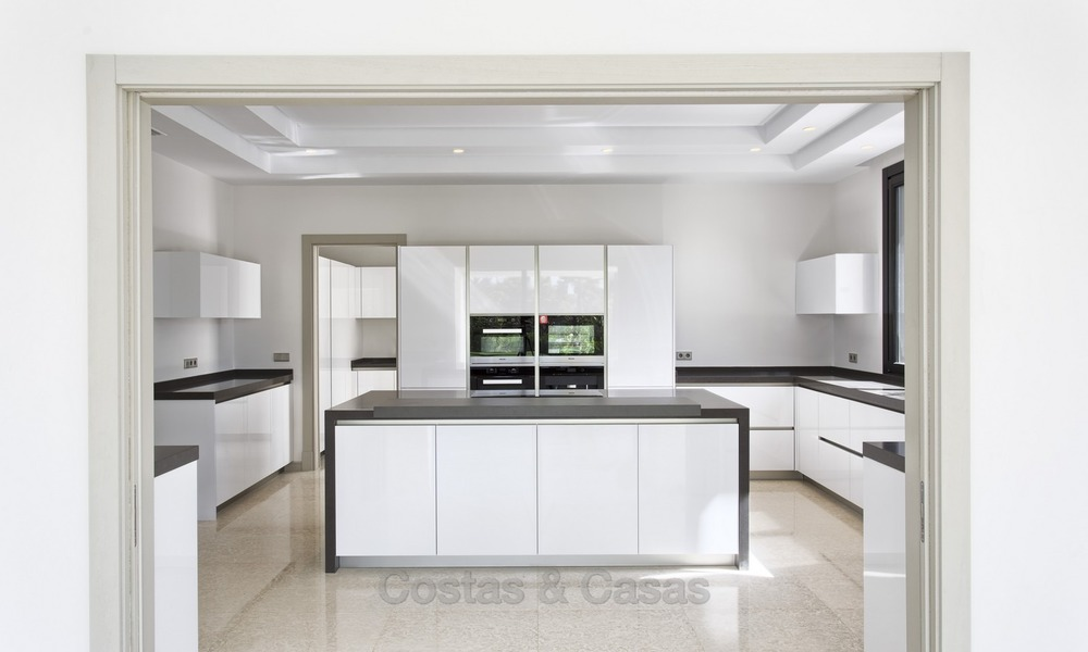 Brand-new, Beachside, Contemporary Style Villa for sale, Ready to Move in, Marbella West 1500