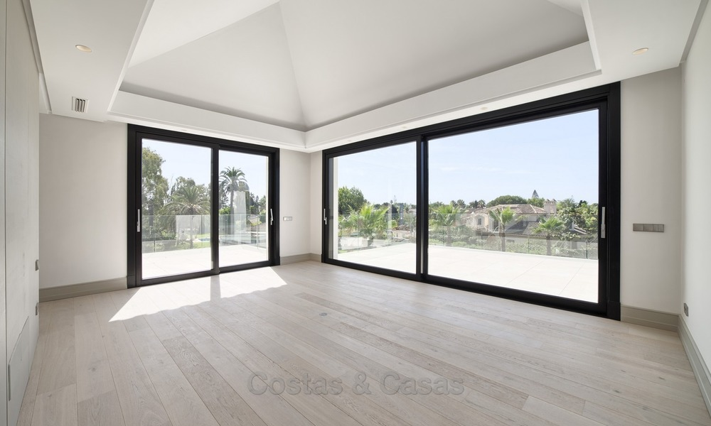 Brand-new, Beachside, Contemporary Style Villa for sale, Ready to Move in, Marbella West 1503
