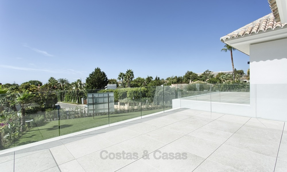 Brand-new, Beachside, Contemporary Style Villa for sale, Ready to Move in, Marbella West 1509
