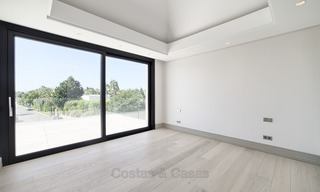 Brand-new, Beachside, Contemporary Style Villa for sale, Ready to Move in, Marbella West 1513