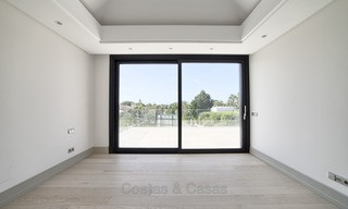 Brand-new, Beachside, Contemporary Style Villa for sale, Ready to Move in, Marbella West 1515