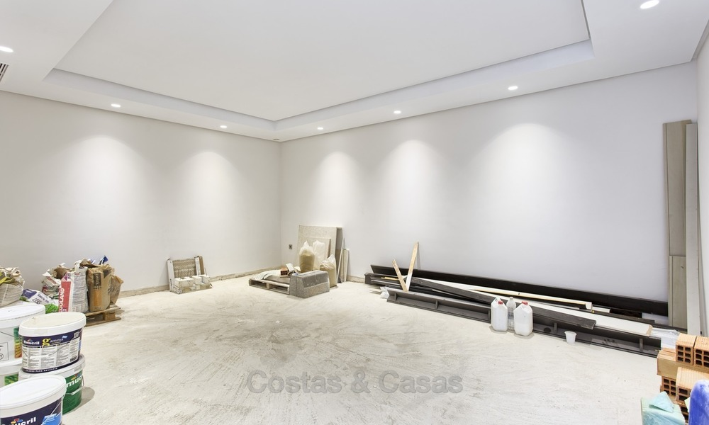 Brand-new, Beachside, Contemporary Style Villa for sale, Ready to Move in, Marbella West 1519