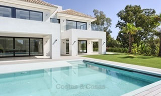 Brand-new, Beachside, Contemporary Style Villa for sale, Ready to Move in, Marbella West 1523