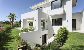 Brand-new, Beachside, Contemporary Style Villa for sale, Ready to Move in, Marbella West 1525