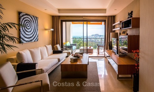Contemporary style Apartment with Panoramic Sea-, Golf- and Mountain views for sale in La Quinta, Benahavis - Marbella 1528