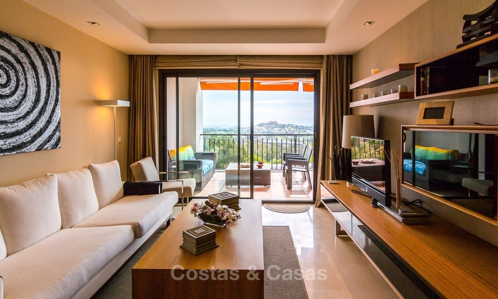 Contemporary style Apartment with Panoramic Sea-, Golf- and Mountain views for sale in La Quinta, Benahavis - Marbella 1530