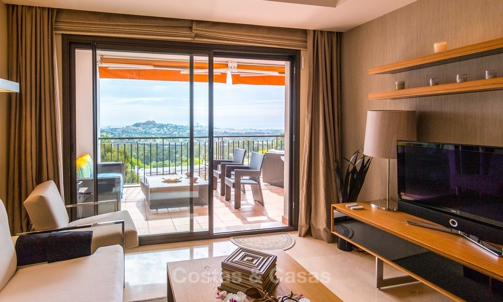 Contemporary style Apartment with Panoramic Sea-, Golf- and Mountain views for sale in La Quinta, Benahavis - Marbella 1531